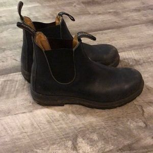 Navy blue leather blundstone boots